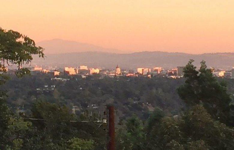 1394 Edgehill Pl, Pasadena, CA 91103