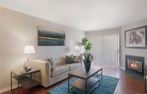 Quiet Corner Condo – Los Angeles